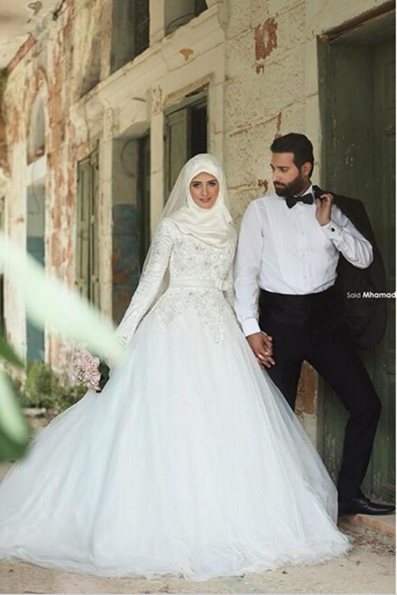 tips memilih gaun pengantin muslim modern 4.jpg