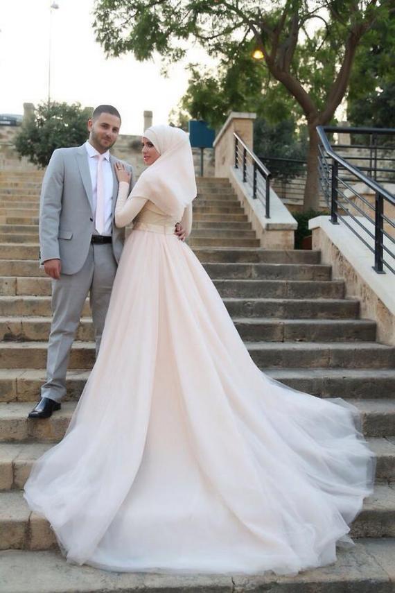 tips memilih gaun pengantin muslim modern 6.jpg